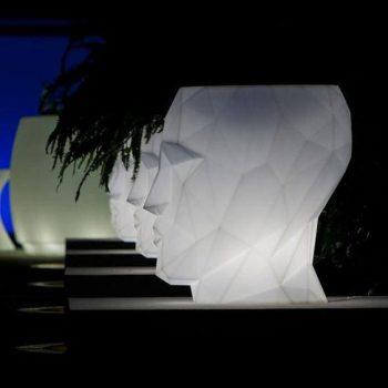 Adan-Vondom-Das-Einrichtungshaus-xxs Planters Pflanzgefäß Pflanzkübel beleuchtettes Kübel Lichtobjekt