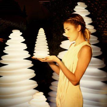 Vondom-Chrismy-Weihnachtsbaum-Tischleuchte-Lichtbaum-Gartenleuchte-Das-Einrichtungshaus-XXS-Willich-Krefeld-Düsseldorf